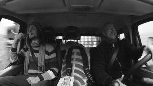 Enrico und Jogi im Auto
